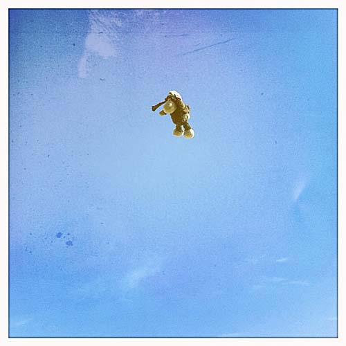 Luis fliegt ins Blaue!
