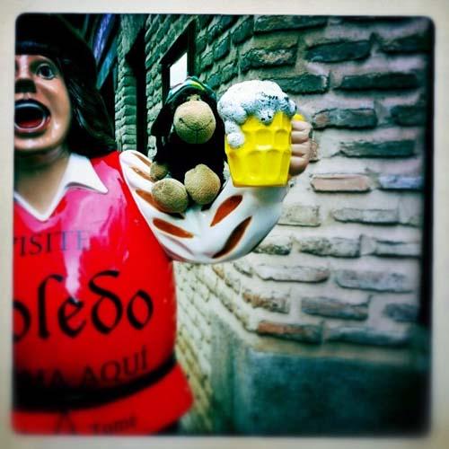 Luis plädiert für eine Runde Bier in Toledo