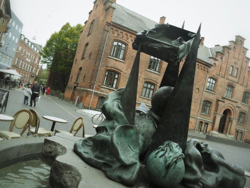 Der fliegende Koffer. Kunst nach Hans Christian Andersen