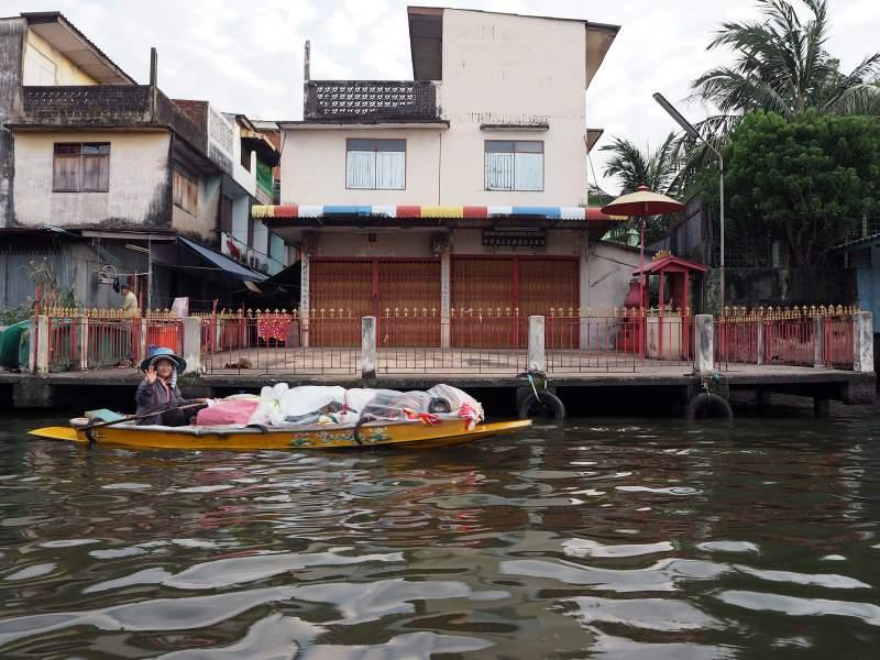 Händlerin auf dem Boot