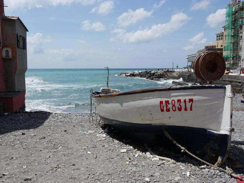 Am Strand von Boccadasse