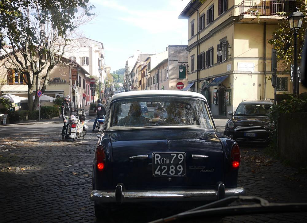 Mit dem Oldtimer durch die Castelli Romani