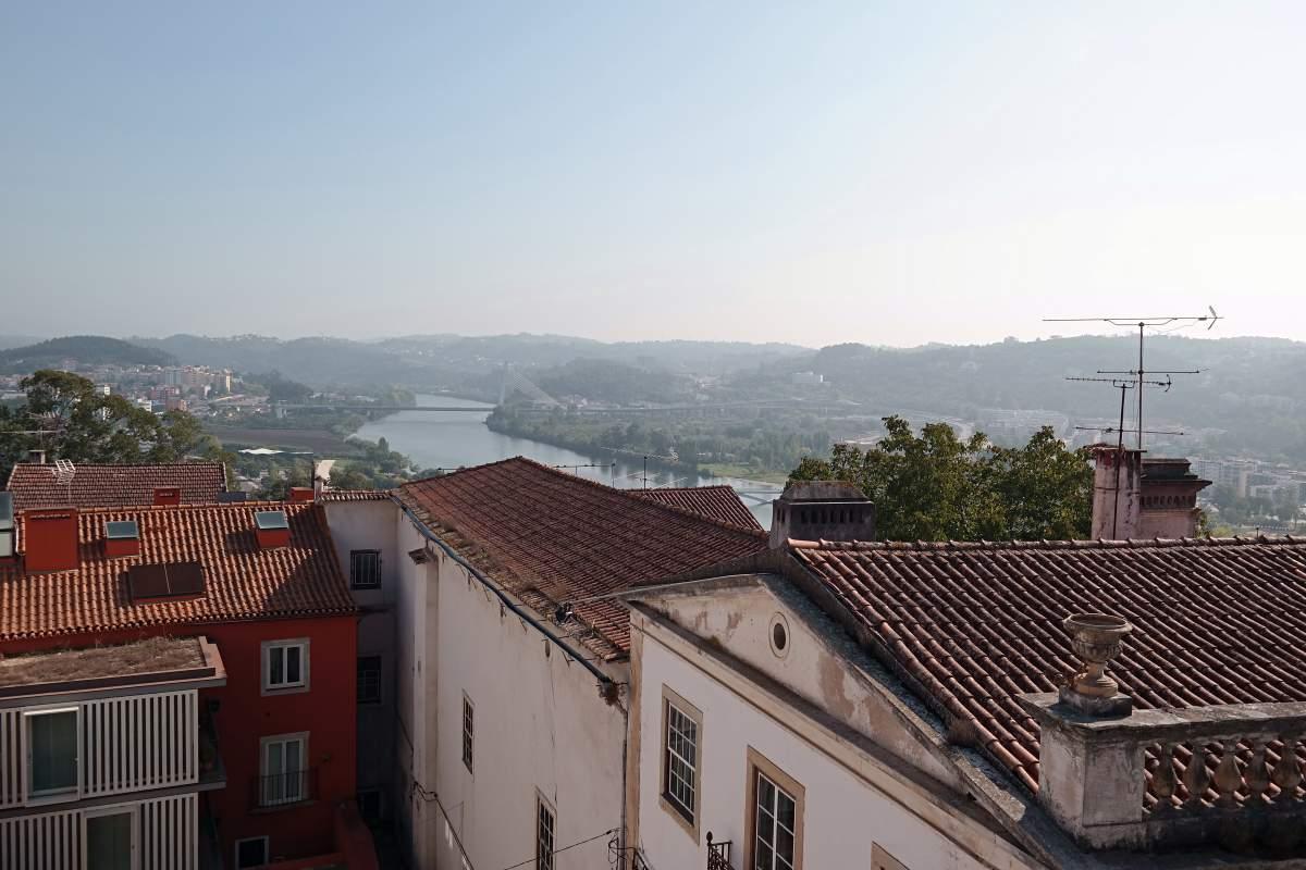 Über den Dächern von Coimbra