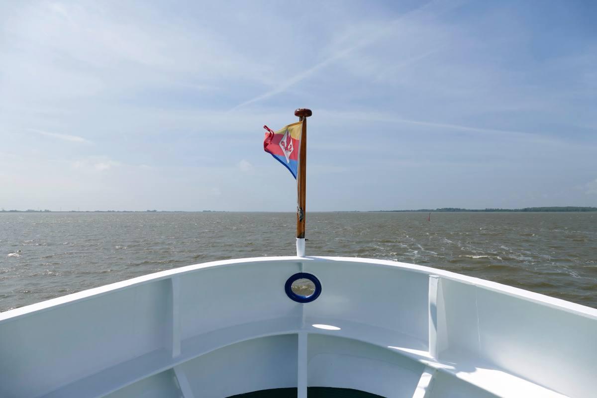 Mit dem Schiff über die Eider