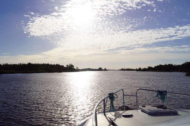 Mit dem Hausboot in Friesland