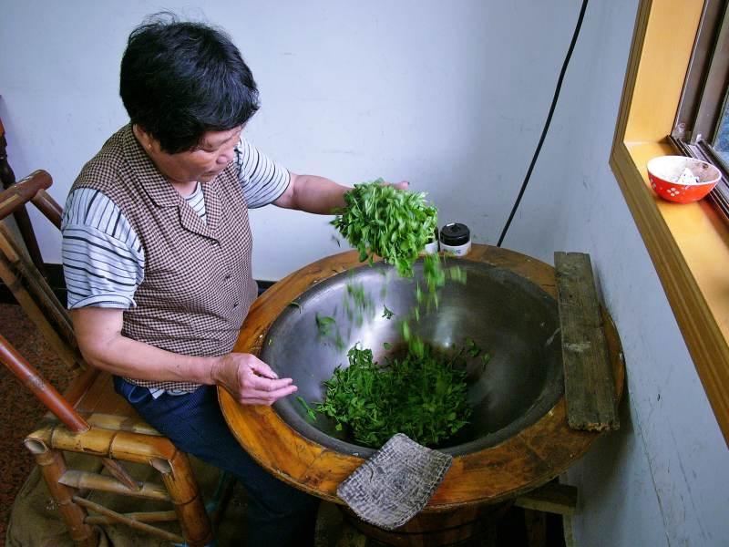 Das Trocknen der Teeblätter