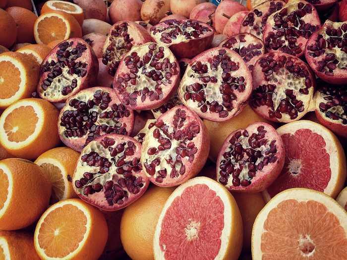 Granatapfel am Morgen