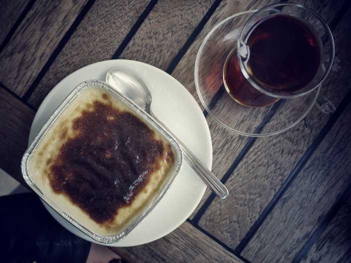 Tee und Reispudding