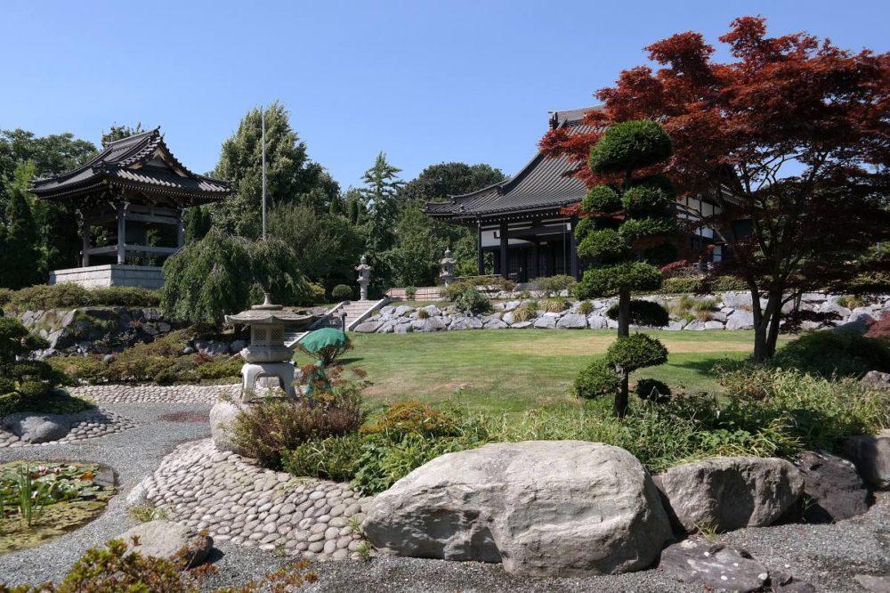 Japan im Buch