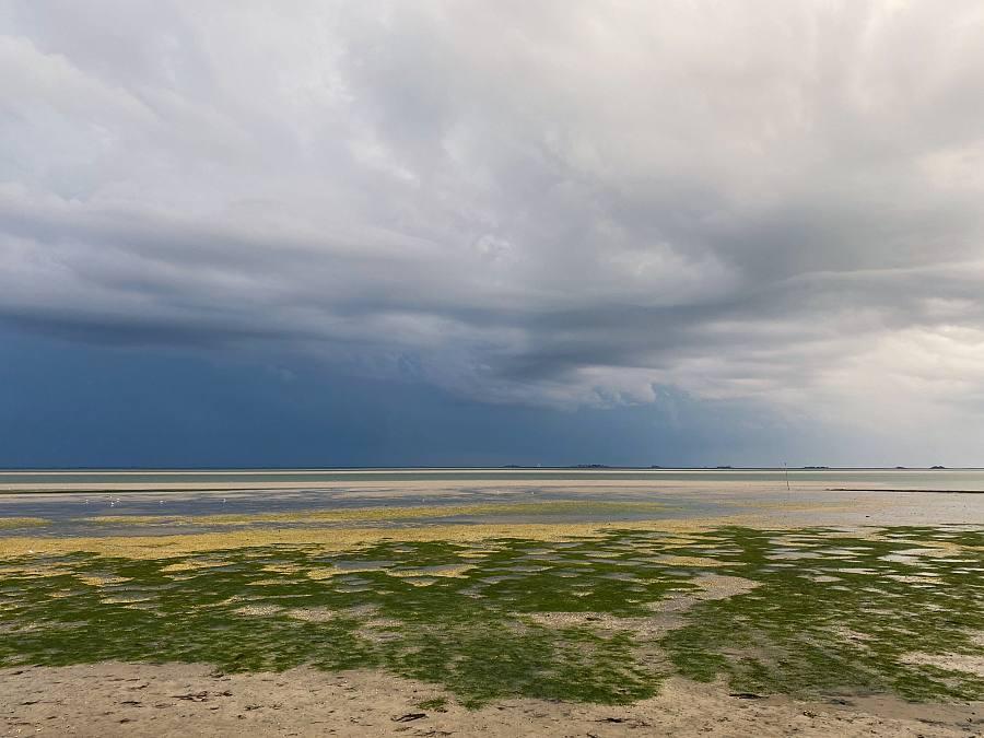 Gewitterstimmung über dem Meer, Langeneß