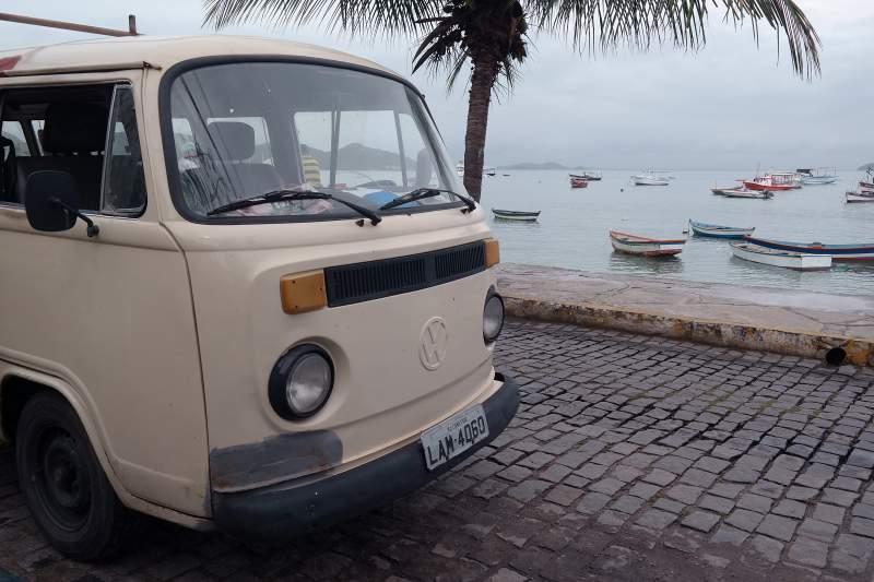 VW-Bus in Búzios