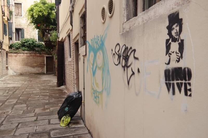 Venezianisches Müllsystem