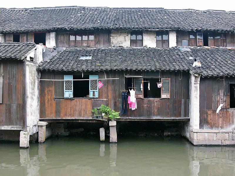 Viel Holz vorm Wasser: Wuzhen