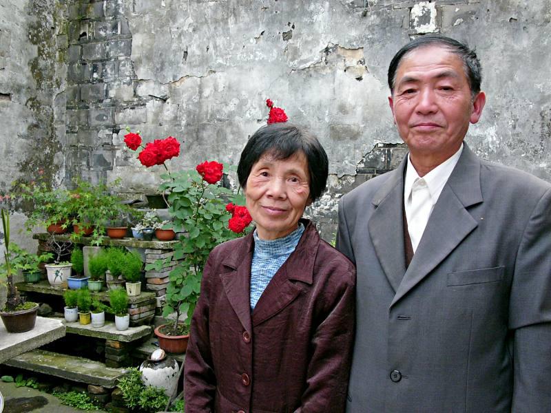 Rentnerehepaar in Wuzhen